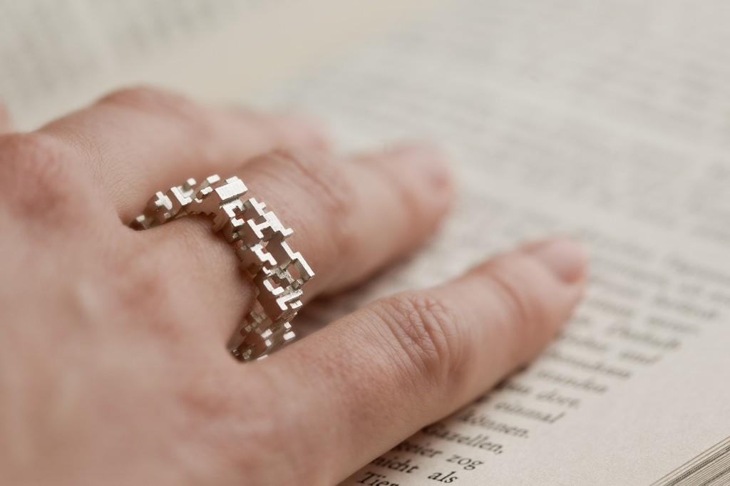シルバーで3Dプリントした指輪