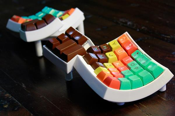 matt-adereths-open-source-3d-printed-ergonomic-dactyl-keyboard-6