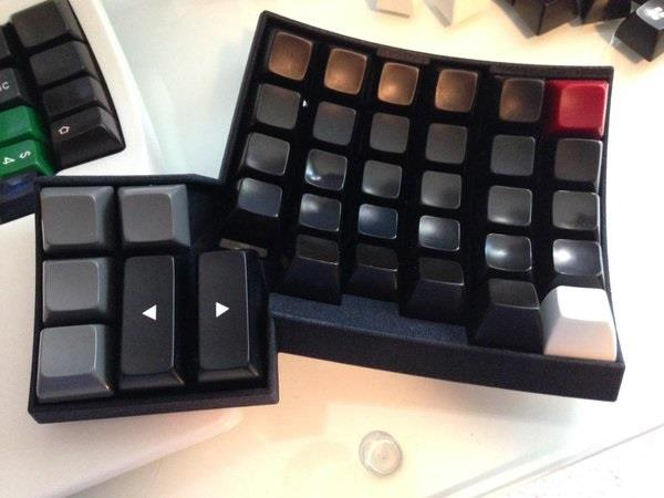 matt-adereths-open-source-3d-printed-ergonomic-dactyl-keyboard-8