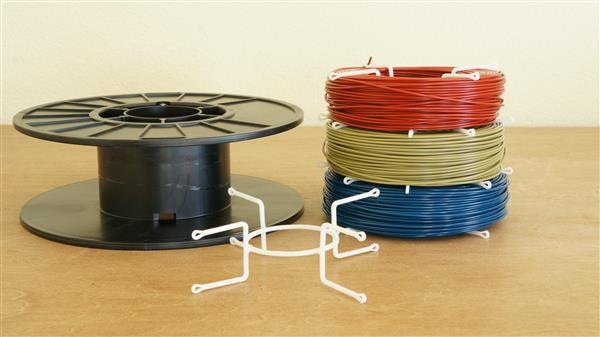 protoparadigm-unveils-5-pla-filament-thanks-to-cost-effective-3d-printed-spool-2