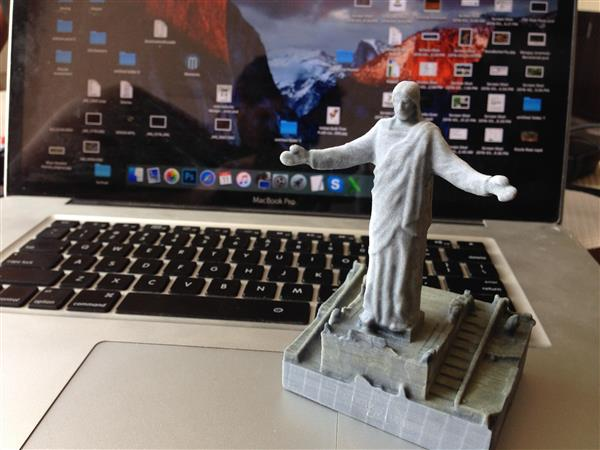 love-thy-scanner-drone-used-capture-3d-scan-giant-jesus-statue-peru-7