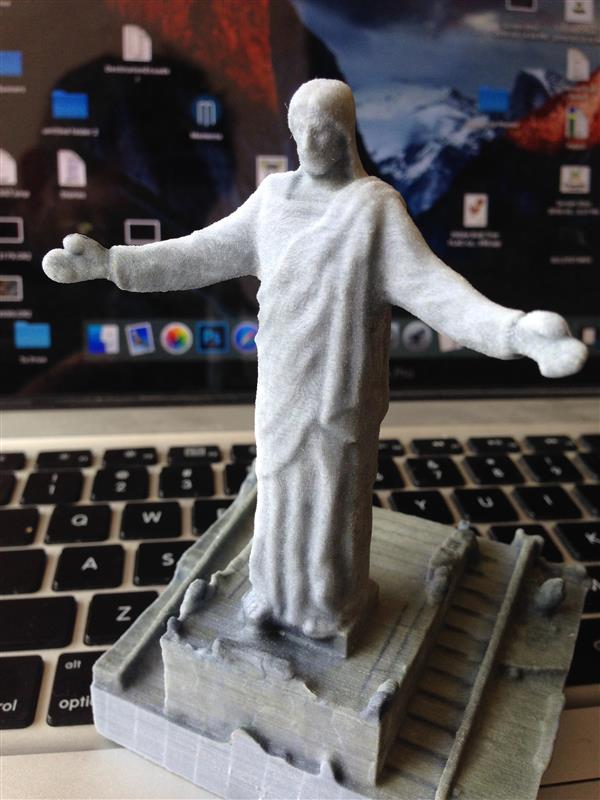 love-thy-scanner-drone-used-capture-3d-scan-giant-jesus-statue-peru-8